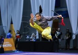 KUALA LUMPUR 18 AUGUST 2017. Atlet Wushu Malaysia, Audrey Chan Yee Jo ketika sesi latihan acara Optional Tai Ji Jian menjelang Sukan SEA KL2017 di Pusat Konvension Kuala Lumpur (KLCC). NSTP/KHAIRULL AZRY BIDIN.