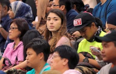 PETALING JAYA 22 AUGUST 2017. Antara penonton yang hadir menyaksikan acara boling beregu campuran Sukan SEA KL2017 di Sunway Megalanes. NSTP/DANIAL SAAD
