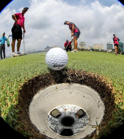 Skuad golf pada sesi latihan di The Mines resort & Golf Club , menjelang aksi Sukan SEA Kuala Lumpur 2017 yang bakal bermula 19 ogos ini. NSTP/OSMAN ADNAN