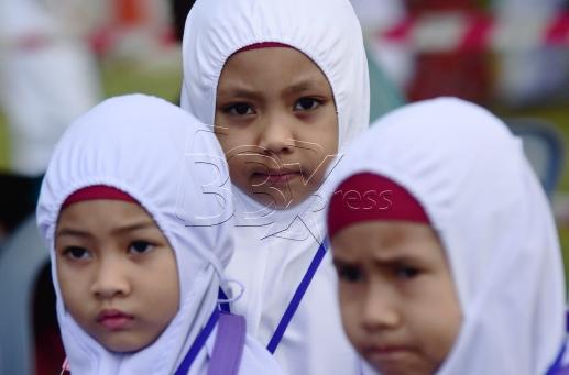 SHAH ALAM 23 AUGUST 2017. Sebahagian daripada 3200 peserta yang menjalani ibadah haji pada program Simulasi Haji Cilik 2017 anjuran Persatuan Tadika Islam Malaysia (PERTIM) di Masjid Sultan Salahuddin Abdul Aziz Shah. STR/MOHD ASRI SAIFUDDIN MAMAT